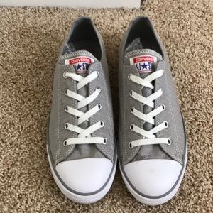 Women's Grey Converse sneakers